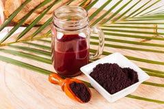 Pulver gibt acai brasilianisches Fruchteuterpe oleracea Stockfotos