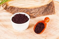 Pulver gibt acai brasilianisches Fruchteuterpe oleracea Lizenzfreie Stockfotos