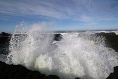 Pulverizador da onda de oceano. Imagens de Stock