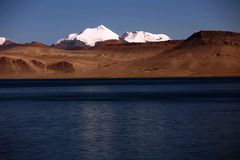 Landscape of Pumoyongcuo Lake stock photos