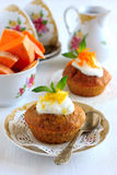 Pumpamuffin med citronsås Royaltyfria Foton