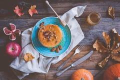 Pumpapannkakor Autumn Food Composition Royaltyfri Bild