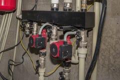 Pumpar av uppvärmningsystemet och rör Royaltyfria Bilder