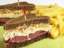 pumpernickel reuben Royaltyfri Bild