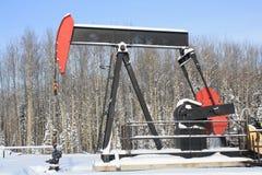 油pumpjack 免版税图库摄影