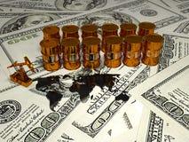 Pumpjack de oro y aceite derramado en el dinero 3d rinden Imágenes de archivo libres de regalías