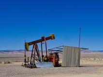 Pumpjack en el desierto de Utah imágenes de archivo libres de regalías