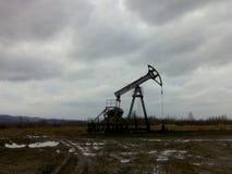 pumpjack russia västra siberia för extraktionoljeoilwell royaltyfria bilder
