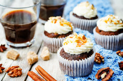 Pumpkin pie spice walnuts banana cupcakes with salted caramel an Stock Photos