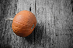Pumpkin on Rustic Wood Royalty Free Stock Photos