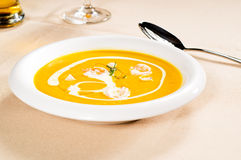 Pumpkin and shrimps cream soup Stock Photography