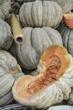 Pumpking in een kruidenierswinkelopslag royalty-vrije stock fotografie