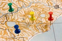 Punaises sur la carte inconnue Photo libre de droits