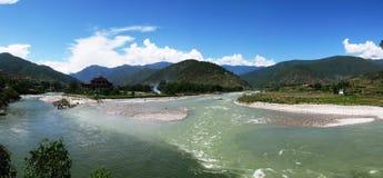 Punakha Dzong, старая столица Бутана стоковые изображения