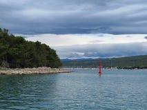 Punat ö av Krk, Kroatien royaltyfri fotografi