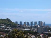 Punchbowlkrater en Cityscape van Honolulu stock afbeeldingen