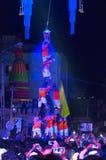 PUNE, MAHARASHTRA, ΙΝΔΊΑ, τον Αύγουστο του 2016, ανθρώπινη πυραμίδα σπάζει dahi HANDI στο φεστιβάλ janmashtami, Pune στοκ εικόνες