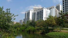Punggolwaterweg met flats Royalty-vrije Stock Foto's