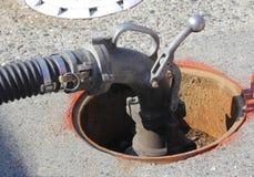 Punho da bomba para o abastecimento do posto de gasolina imagem de stock