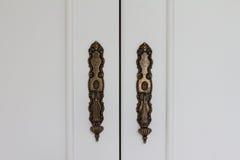 Punho de bronze clássico do armário Imagem de Stock Royalty Free