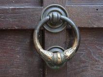 Punho de porta antigo Fotografia de Stock Royalty Free