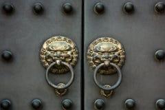 Punho de porta chinês velho Fotografia de Stock