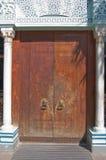 Punho de porta velho do edifício Fotos de Stock