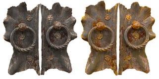 Punho velho do ferro forjado com o anel na porta Fotografia de Stock Royalty Free