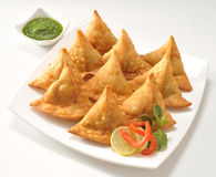 Punjabi Samosa with Chutney Royalty Free Stock Photos