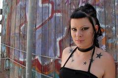 Punk Meisje door graffiti 004 Royalty-vrije Stock Afbeeldingen