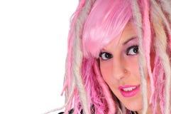 Punkmädchen mit dem rosafarbenen Haar Stockfoto