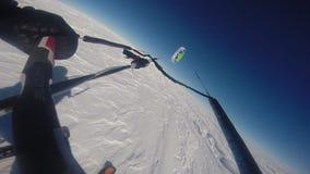 Punkt av sikten medan parasailing lager videofilmer
