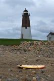 Punkt Judith Lighthouse Warns Ships av den annalkande stormen Royaltyfri Bild