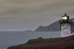 Punktu Montara latarnia morska przy półmrokiem Fotografia Royalty Free