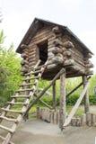 Punktu obserwacyjnego dom na stertach Zdjęcia Royalty Free