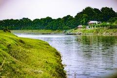 Punorvoba flod, Dinajpur,  för RÄ-jshÄ hi, Bangladesh royaltyfri fotografi