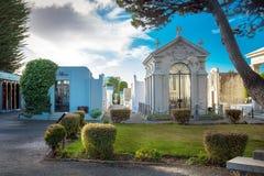 Punta Arenas Chile - Juni 14th 2013 - den berömda arkitekturen av den offentliga kyrkogården av Punta Arenas, Chile Arkivbilder