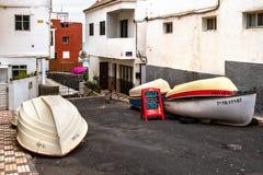 2019-03-12 Punta Brava - Puerto de la Cruz, Santa Cruz de Tenerife la pequeña ciudad en la costa atlántica imagenes de archivo