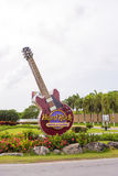 PUNTA CANA, DOMINICAANSE REPUBLIEK - 22 MEI 2017: Het uithangbord van het hotel en het casino Stock Fotografie