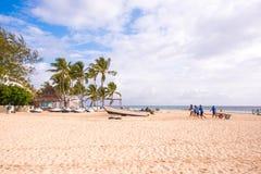 PUNTA CANA, REPÚBLICA DOMINICANA - 22 DE MAIO DE 2017: Vista do Sandy Beach Copie o espaço para o texto Foto de Stock Royalty Free