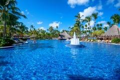 PUNTA CANA, REPÚBLICA DOMINICANA - 29 DE OCTUBRE DE 2015: Palacio de Barcelo Bavaro del hotel imagen de archivo