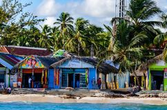 PUNTA CANA, republika dominikańska - PAŹDZIERNIK 29, 2015: Rynek na Dominikańskim wybrzeżu Obraz Royalty Free