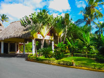 Punta Cana, republika dominikańska - Luty 02, 2013: VIK areny Blanca hotel pod palmami Obrazy Royalty Free