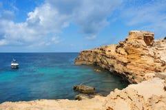 Punta de Sa Pedrera kust i Formentera Arkivbild