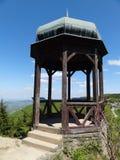 Punta de visión en las montañas de Beskydy, República Checa imagen de archivo