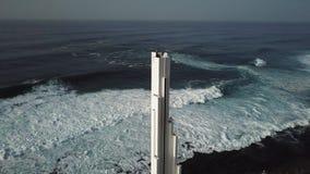 Punta del Hidalgo Lighthouse Paisaje que pasa por alto el oc?ano Puesta del sol a?reo almacen de video