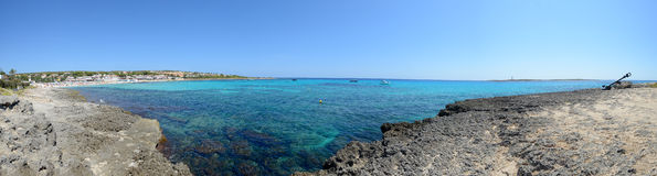 Punta Prima Beach i Menorca, Spanien Royaltyfri Bild