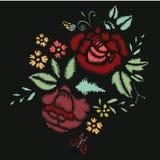 Puntadas del bordado con las rosas, flores del prado Imagen de archivo libre de regalías