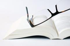Puntas y el libro Fotos de archivo libres de regalías