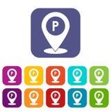 Puntatore della mappa con le icone del segno di parcheggio dell'automobile messe Immagine Stock